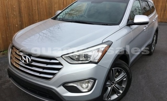 Buy Used Hyundai Santa Fe Silver Car in Agana in Hagatna