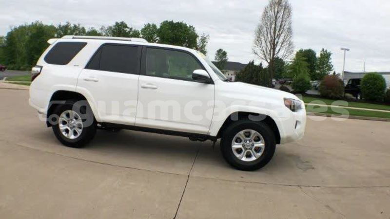 Big with watermark 2015 toyota 4runner pic 8398083486023150019 1024x768