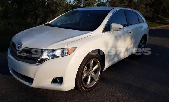 Buy Used Toyota Venza White Car in Santa Rita in Agat
