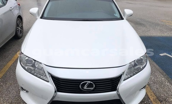 Buy Used Lexus ES 300 White Car in Tamuning in Tamuning