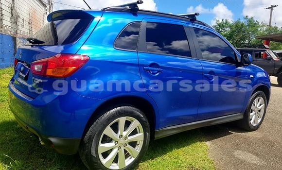 Buy Used Mitsubishi Outlander Blue Car in Dededo in Dededo